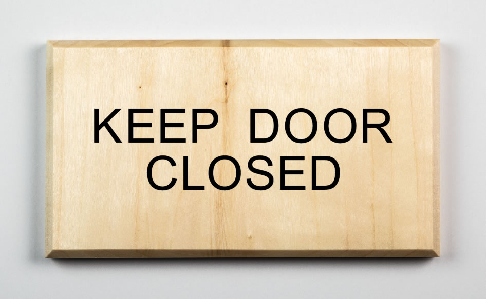 Keep Door Closed Sign, black