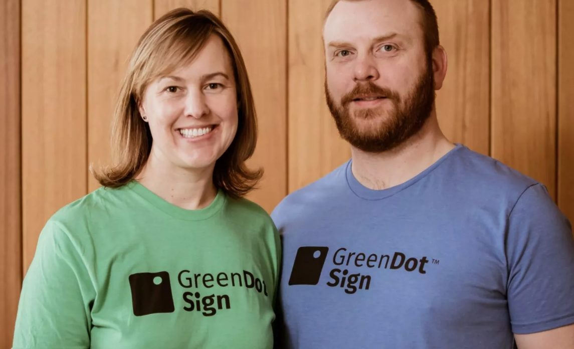 Green Dot Sign co-founders